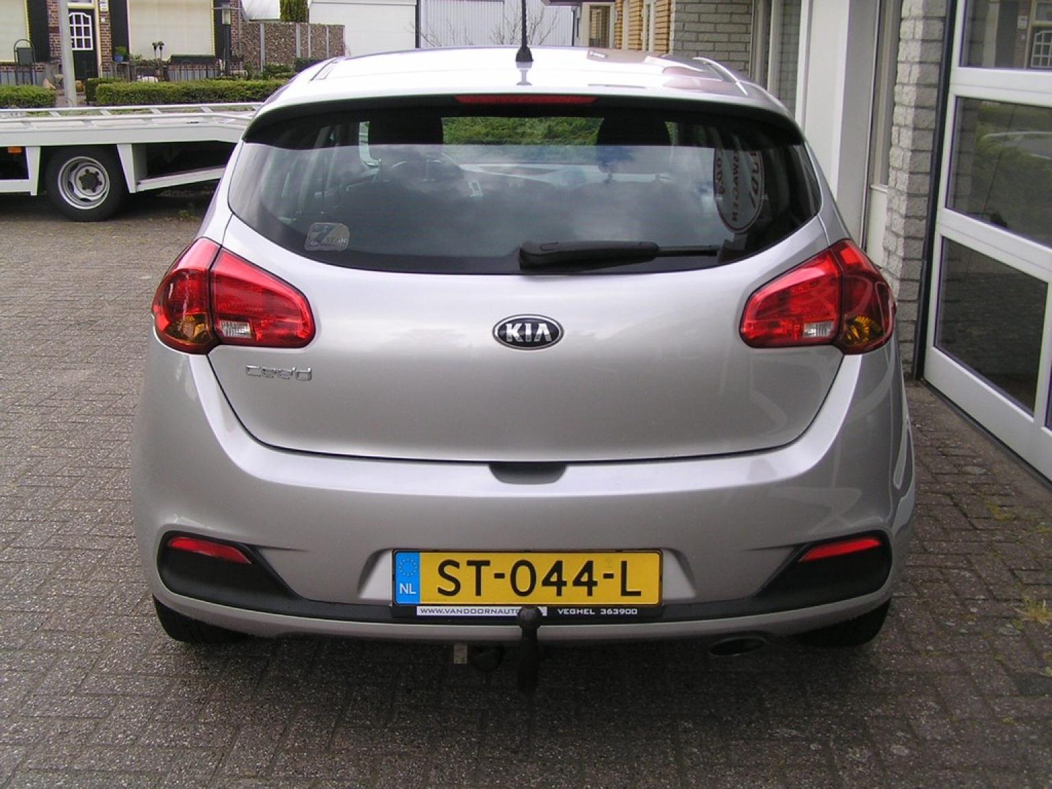Kia-cee'd-2